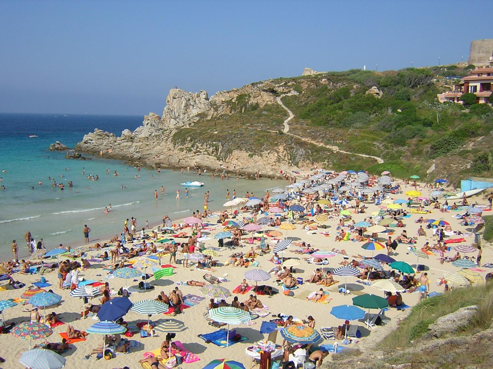 Foto Spiaggia Rena Bianca Agosto